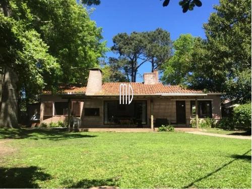 Linda Casa En Parada 12 De La Mansa- Ref: 6325