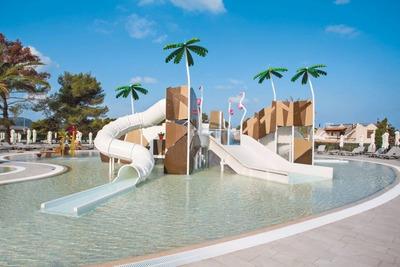 Construccion De Mega Parques Infantiles