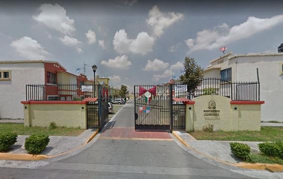 Casa En Remate De La Privada Cinca Ojo De Agua
