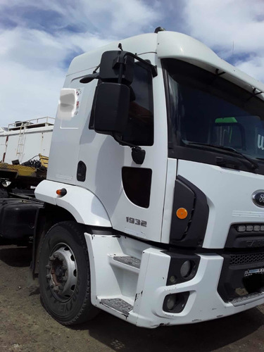 Ford Cargo 1932 2014