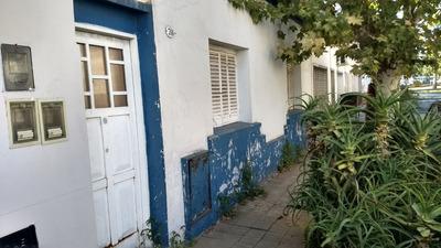 Casa Antigua A Mts Barrio De Liniers /en Lote Propio Hermosa