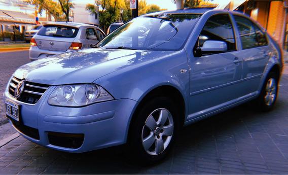 Volkswagen Bora 2.0 Trendline 2010 Full Con Llantas, Techo.
