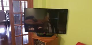 Tv Lg Smart 42 Pulgadas Con Soporte Para Mesa