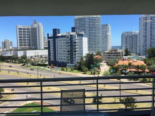Venta Apartamento 2 Dormitorios En Playa Mansa,
