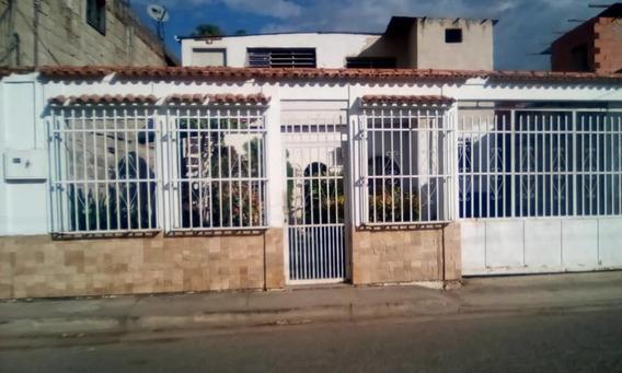 Anexo En Alquiler Santa Rita 04243799160