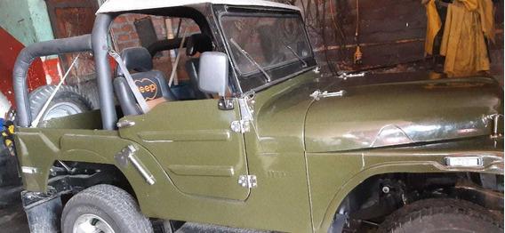 Vendo Willys Jeep Modelo 1955