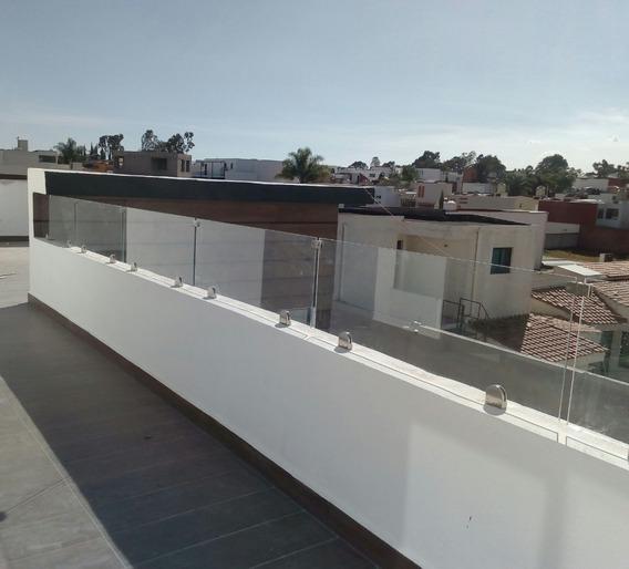 Remate De Residencia Udla, Plaza Explanada.
