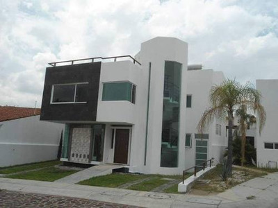 Gps/ Casa En Renta En Cumbres Del Lago, Juriquilla, Qro Con Vista Al L