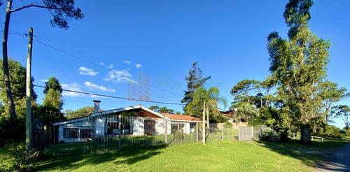 Casa En San Rafael, 4 Dormitorios *- Ref: 3461