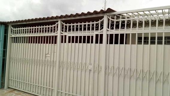 Casa Em Ceilândia Norte Com 3 Quartos Sendo Um Suíte.