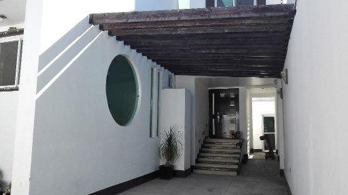 Magnífica Casa Minimalista En Renta