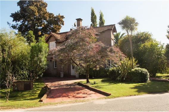 Casa En Country Club El Bosque Campana