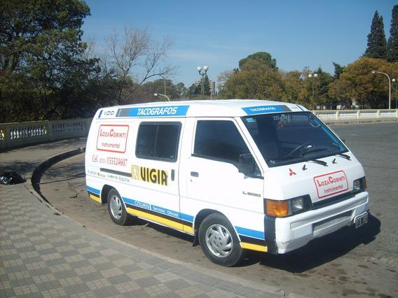 Mitsubishi L300 2.5 Turbo Van Familiar Blanco