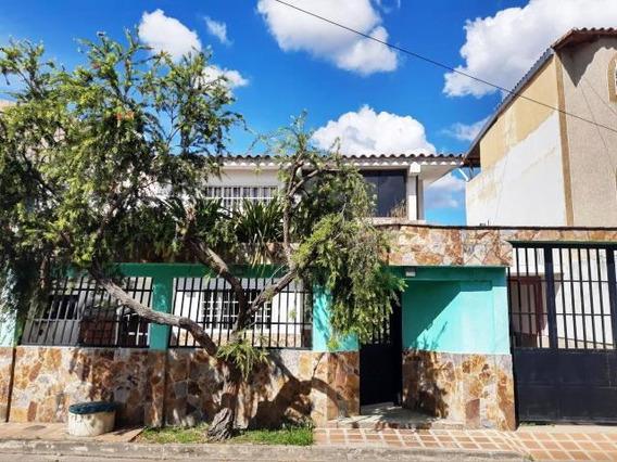Casa Urbanizacion .amazonas 19-20376 Dyfc