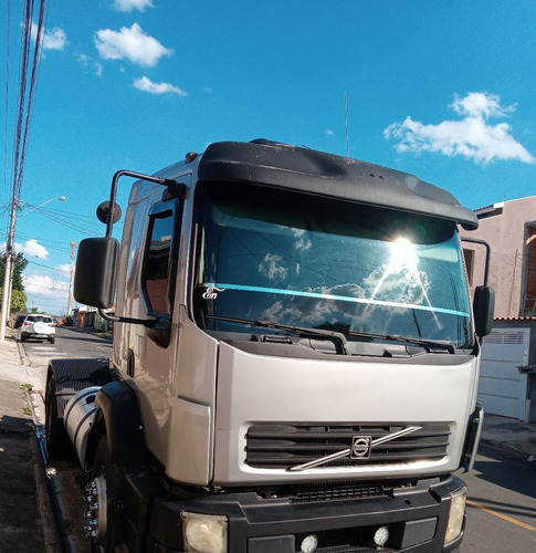 Imagem 1 de 15 de Volvo  Vm 310 4x2