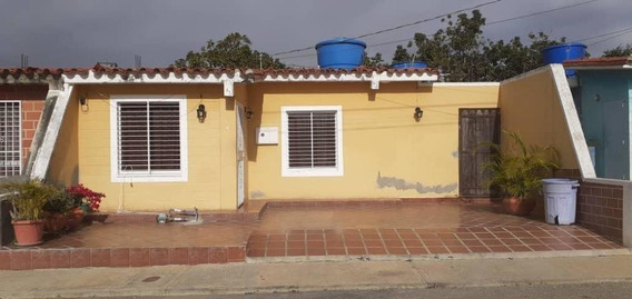 Casa En Venta Norte De Barquisimeto #20-2650 As