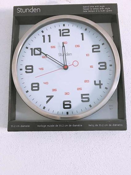 Reloj De Pared Marca Stunden 35.2 Cm De Diámetro.