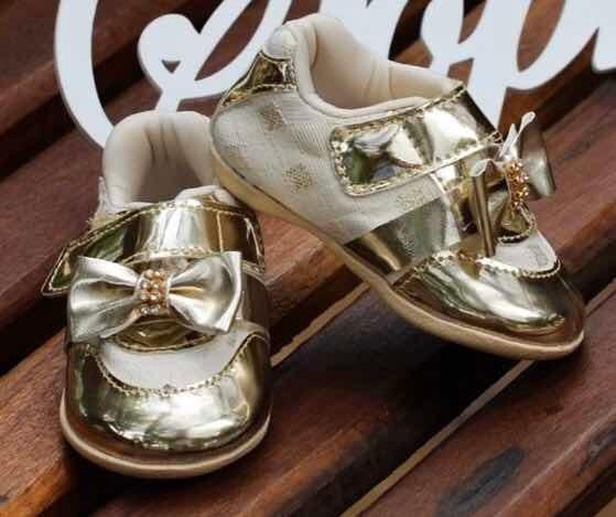 Tênis Dourado Infantil