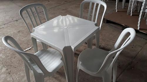 Imagem 1 de 1 de Locação De Mesas E Cadeiras Plastica Branca Somente Zl