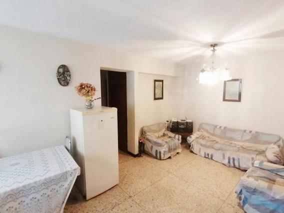 Apartamento En Venta Cabudare Cod: 20-2382 Fr