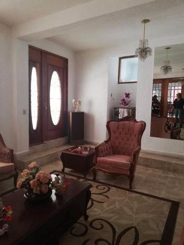 Casa Con Locales Y Oficina En Renta En Cuautitlán