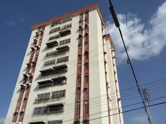 Apartamento En Venta Urb La Maracaya/ 20-24078 Wjo