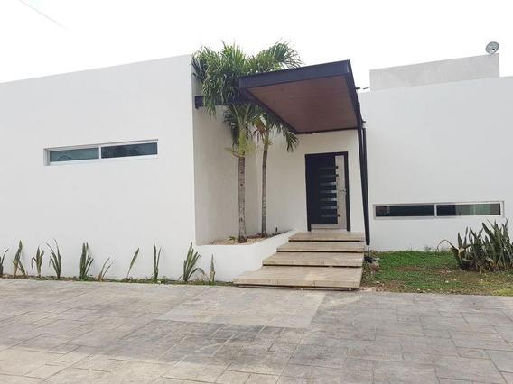 Casa Con Diseño Único Al Norte De La Ciudad