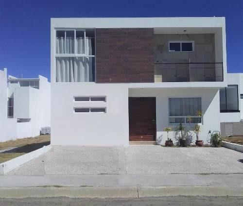 Casa En Venta En San Isidro Juriquilla, Queretaro, Rah-mx-20-1532