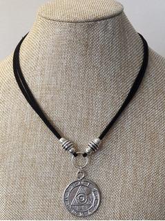 diferentemente 9245a 035fc Collar Illuminati en Mercado Libre Argentina