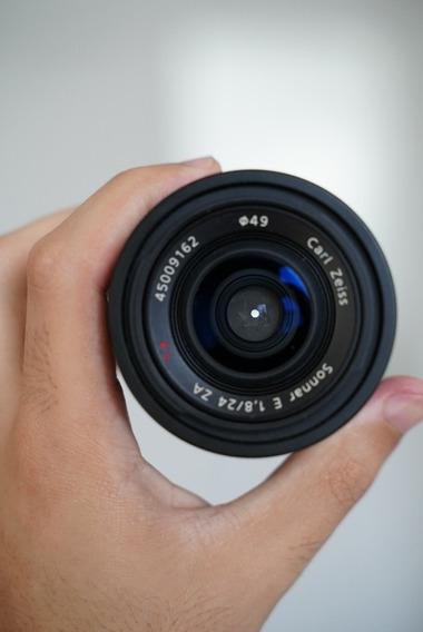 Sony Carl Zeiss Sonnar T* 24mm F1.8 Za