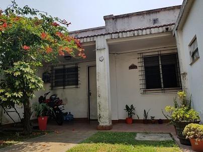 Casa Y Departamento En Venta A 10 Cuadras Estación - Moreno