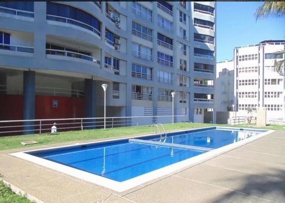 Apartamento Remodelado Con Pozo De Agua Piscina Operativo