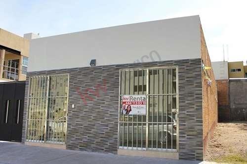 Local Sobre Avenida En Segunda Sección De Villa Magna $5,000