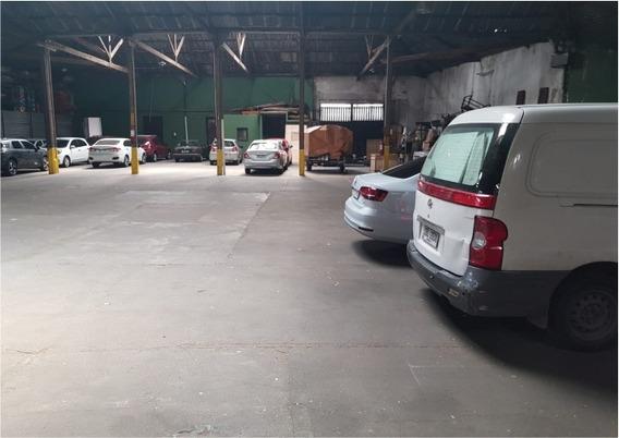 En Aguada - Parking De 2.115 M2 Techados