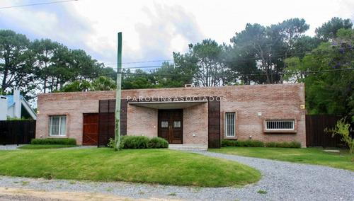 Moderna Casa En Rincon Del Indio -ref:1690