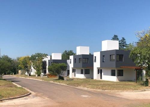 Dúplex En Venta De 3 Dormitorios C/ Cochera En Villa Warcalde