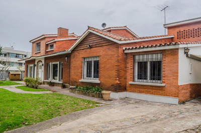 Carrasco Sur 2 Casas Ideal Oficina , 300m2 En Un Terreno 621