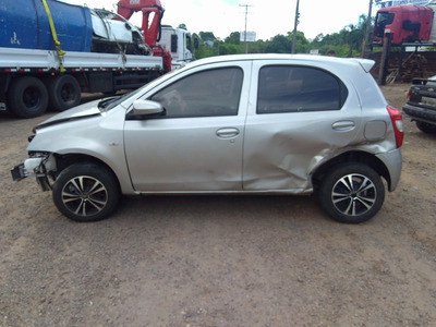 Sucata Toyota Etios Hb 1.3l Mt 2017 Para Venda De Peças