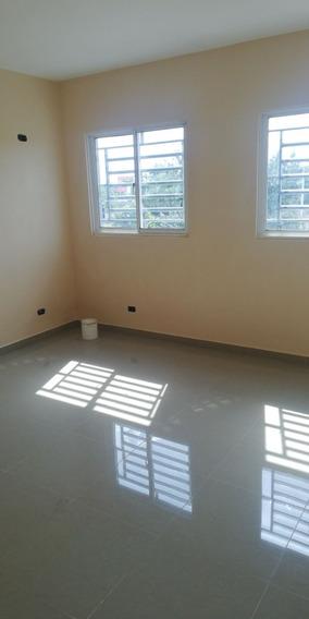Apartamento Nuevo, 2 Habitaciones, Parqueos Techados.