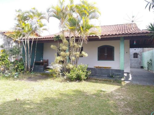 Imagem 1 de 14 de Ótima Casa Com 2 Quartos, Perto Da Praia E Comércios!
