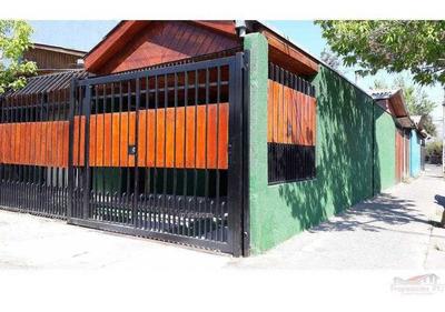 Casa En Barrio Las Rosas, Maipú