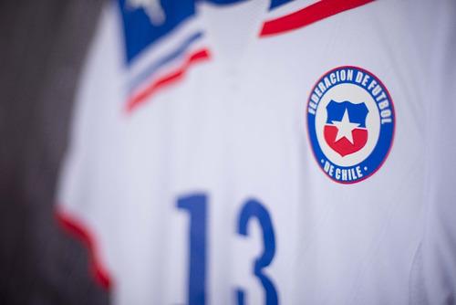 Chile 2011 Puma Uniforme 2 Número 13 Estrada Tamanho P