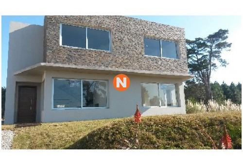 Casa En Venta, Pinares, Punta Del Este, 2 Dormitorios.- Ref: 209466