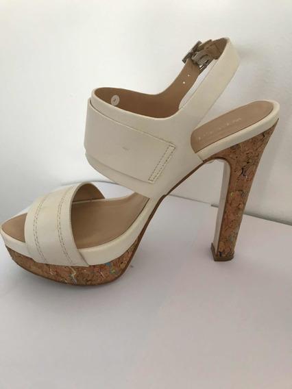 Zapatillas Color Crema , Con Tacón Tipo Corcho