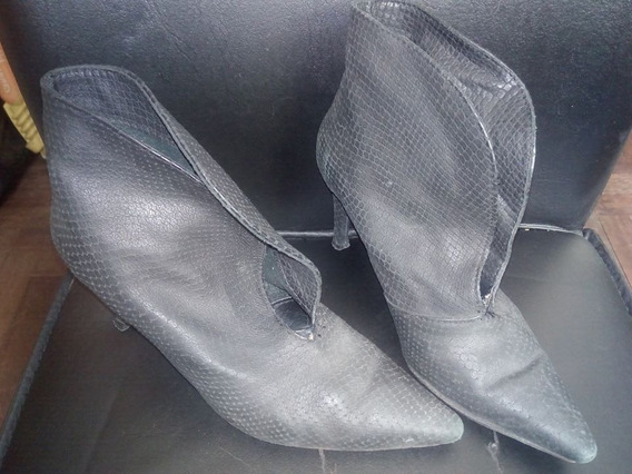 Zapatos Negros Nº 37 Taco 9 Cms Cerrados Tipo Botinetas