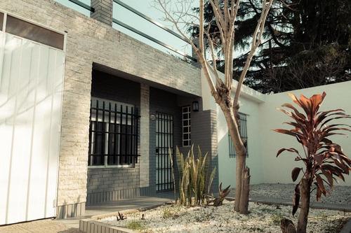 Oportunidad!!! - 3 Dormitorios    Cochera Y Patio