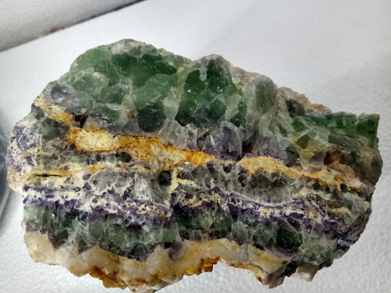 Fluorita Verde Y Morada Espesimen 17cm De Alto Bruto Piedra