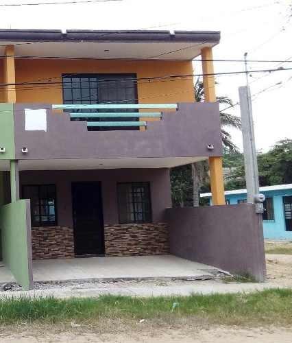 Casa Tradicional De 2 Niveles En Venta, Col. Tampico Altamira, Altamira, Tamaulipas.