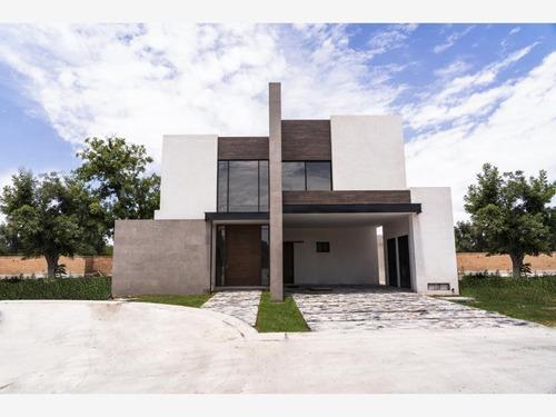 Imagen 1 de 7 de Casa Sola En Venta Fracc. La Barranca