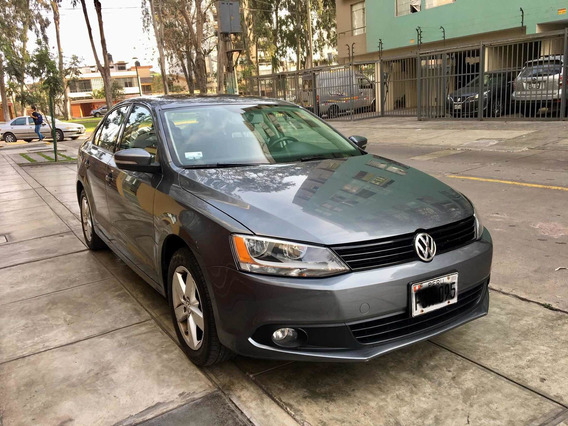 Volkswagen Jetta Versión Full